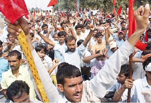 Evento 14. ¡Todo para los trabajadores! India1